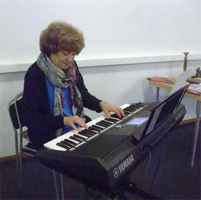 Magda spelar